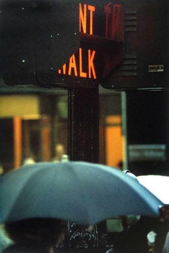 Don't Walk, 1952 © Saul Leiter