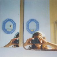 Anne Collier: Women With Cameras (Self Portrait) (9781949172003)